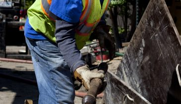 Complementary Pipe Bursting Rigs Boost Contractor's Productivity