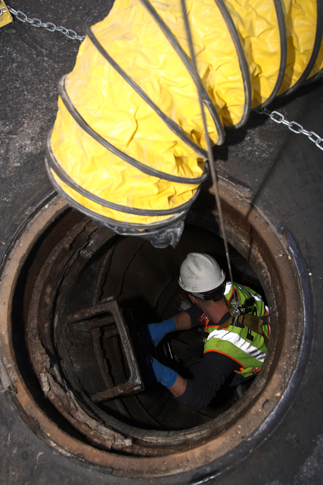 Water Tank Confined Space : Dig different photos of proper confined space entry work